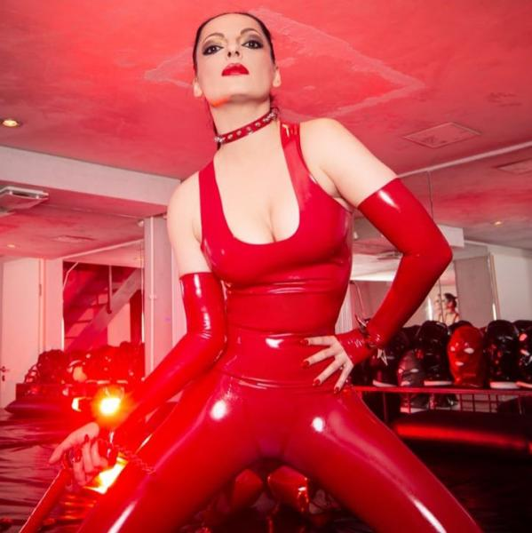 "Diva im ""Divas Dome Cologne"" in unserem sexy latex top"